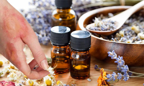 Benefits of Natural Essential Oils to Treat Burns